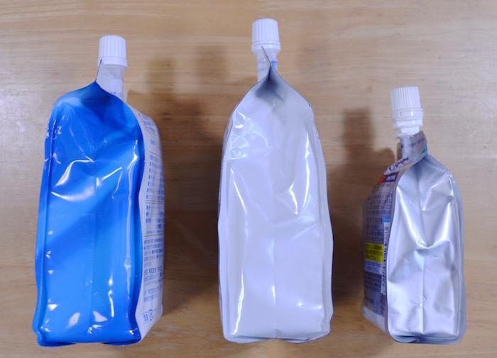 容器サイズ比較/側面写真:左からビガーブライトEX(500ml)、クリスタル水素(500ml)、伊藤園の高濃度水素水(200ml)